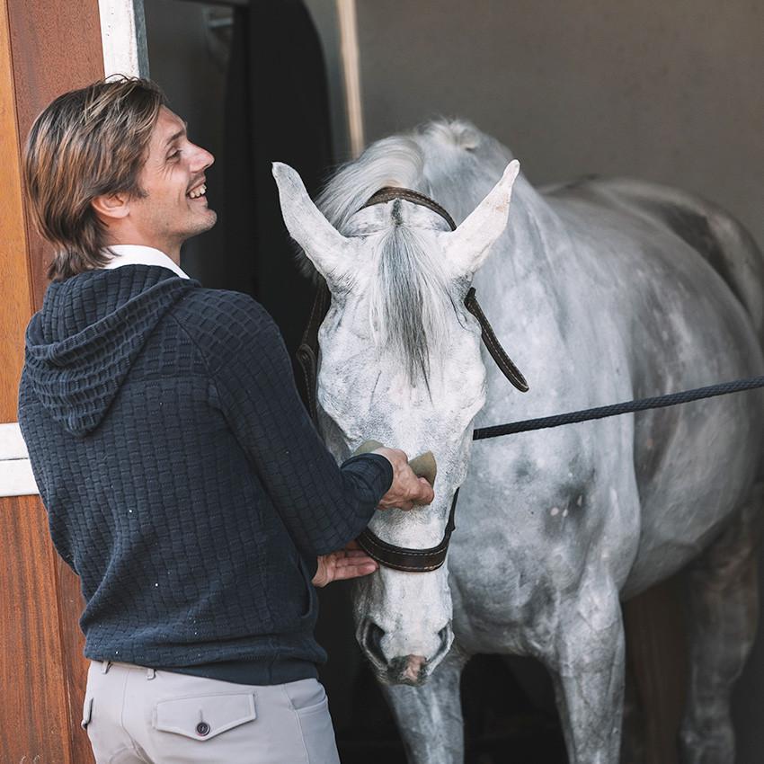 Tuto Vidéo : Préparer son cheval avant un concours